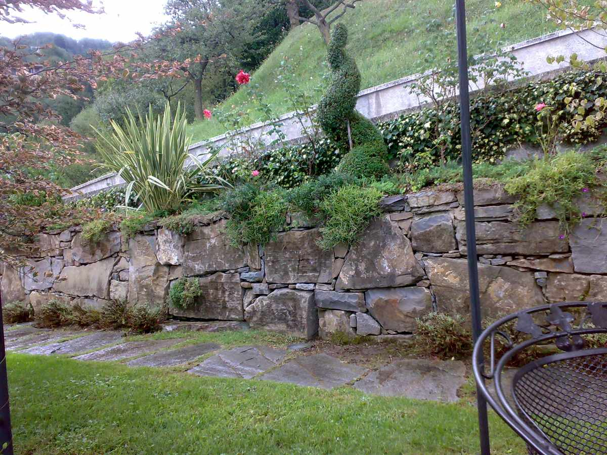 Muretti a secco hortus milani - Muretti in pietra giardino ...